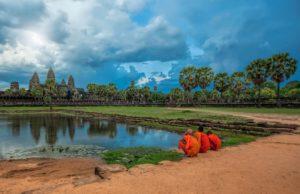 Angkor Wat happy tours vietnameseluxurytravel.com